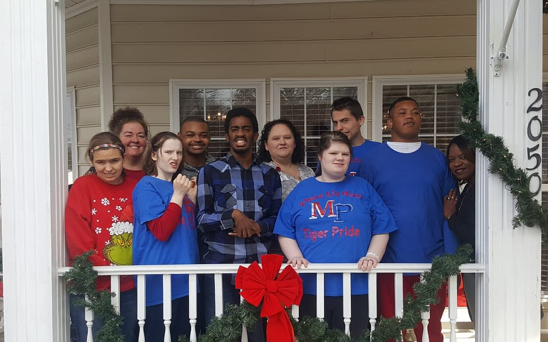 Mt. Pleasant Students Spread Holiday Cheer at Morning Pointe