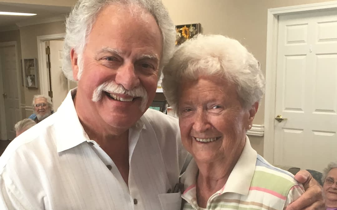 Local Musician Brings Back Good Memories for Morning Pointe Residents