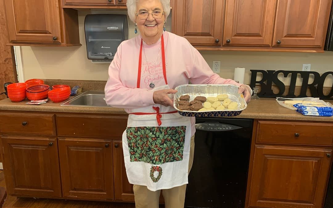 Morning Pointe Resident Hosts Monthly Cooking Demonstration for Fellow Residents