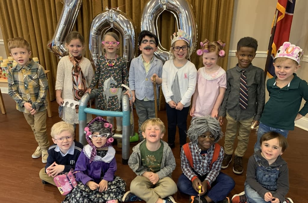 Preschool Students Volunteer at Morning Pointe for 100th Day of School