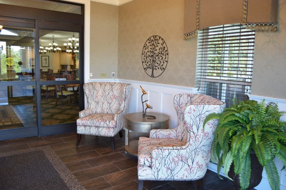 Sitting Area. Louisville Senior Living. Morning Pointe Community