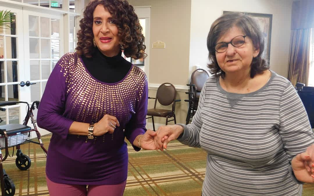 Morning Pointe Volunteer Enjoys Dancing with Residents