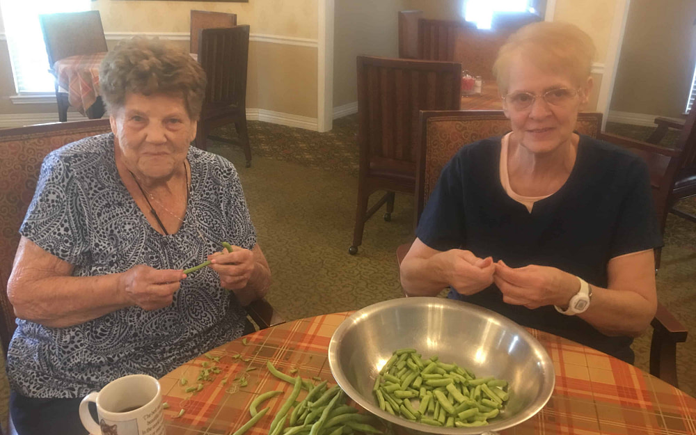 Morning Pointe Associate Helps Seniors Embrace Local Food