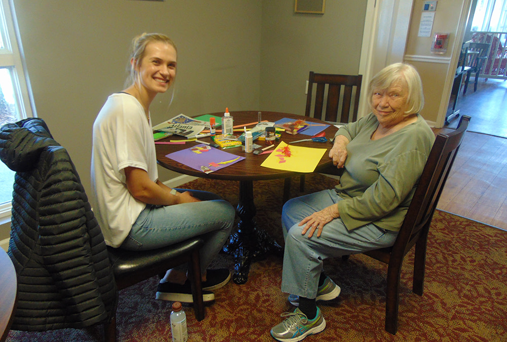 UA Art to Life Seminar Pairs Morning Pointe Resident with Trained Art Therapist