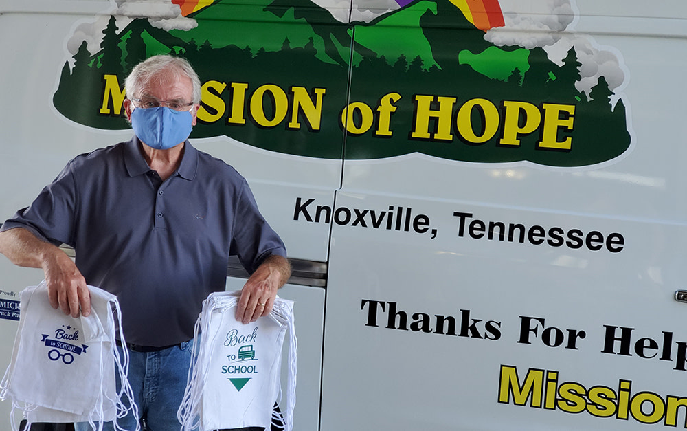 Morning Pointe Donates School Supplies to Mission of Hope