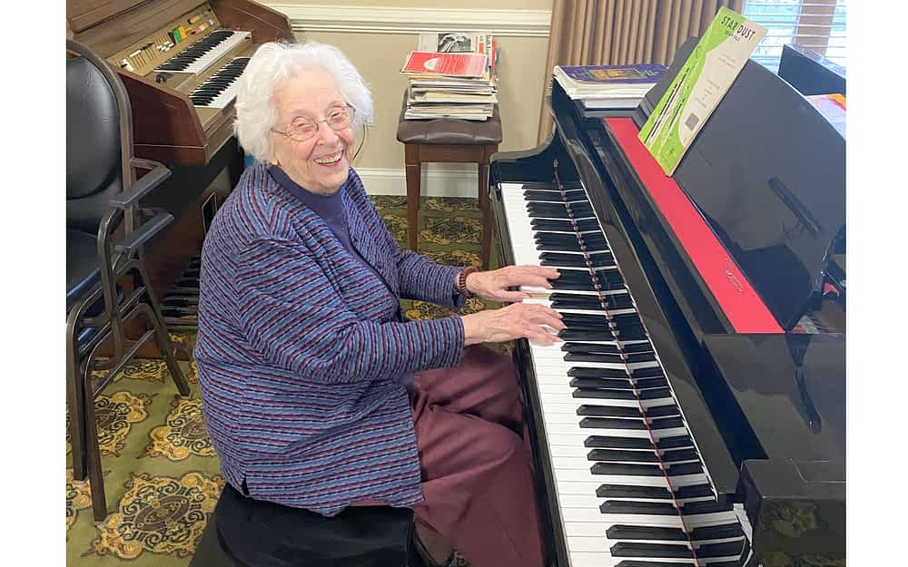 100-Year-Old Morning Pointe Resident Shares Love of Music with Community