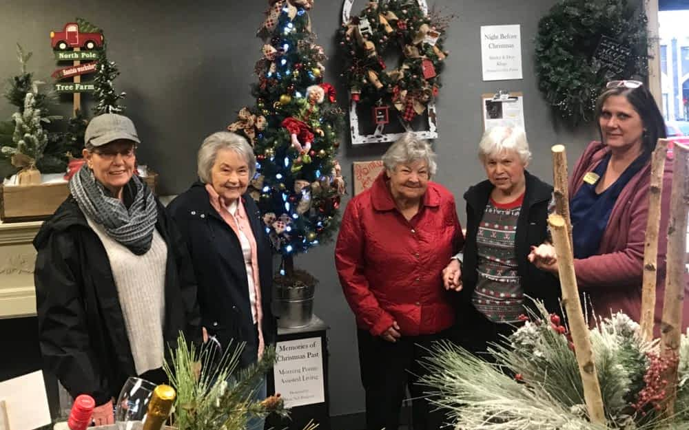 Morning Pointe Residents Visit Festival of Trees