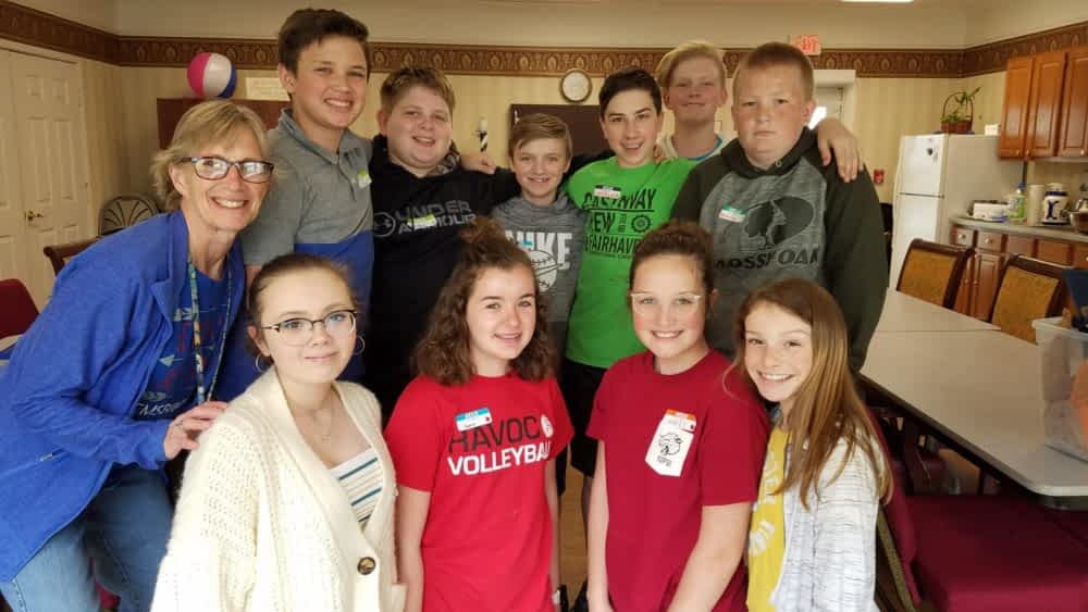 """Indian Creek Middle Students Celebrate """"Day of Caring"""" with Morning Pointe Residents"""