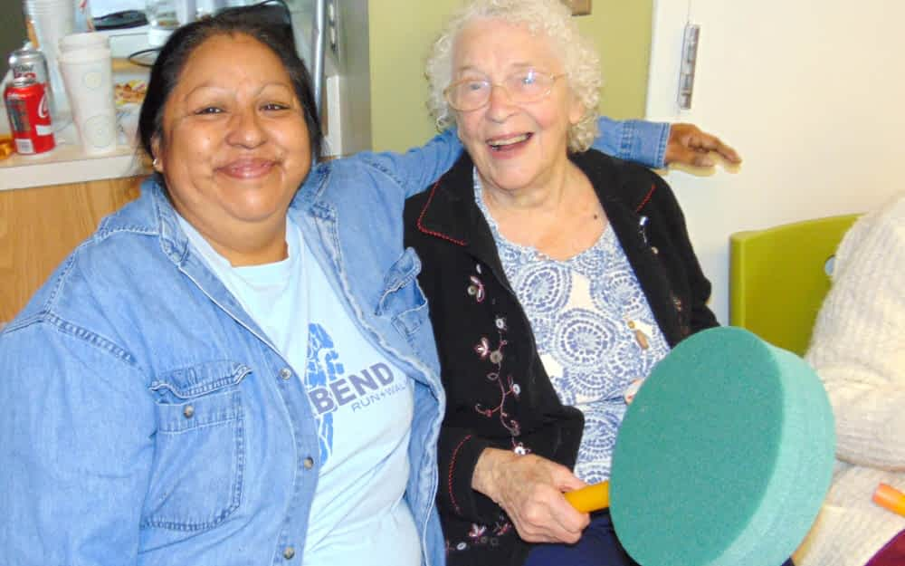 Morning Pointe Residents Throw Party for Community Kitchen