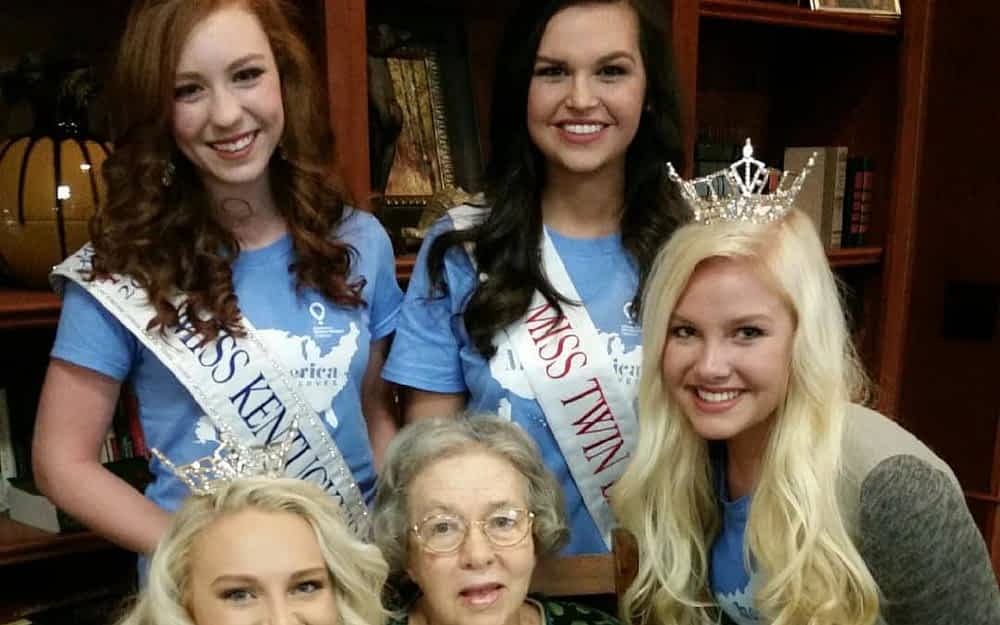 Miss Kentucky Contestants Visit Morning Pointe