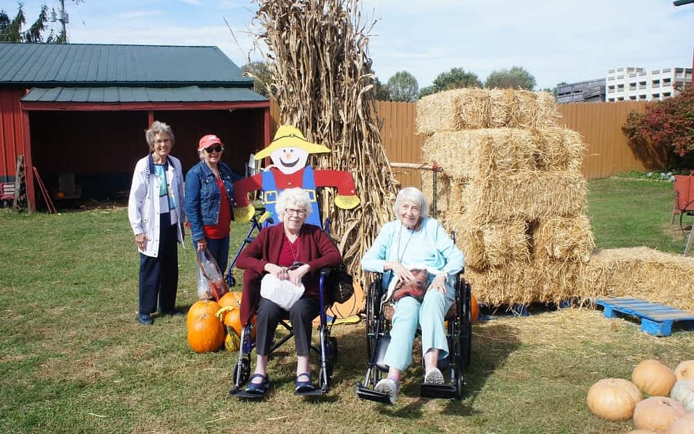 Morning Pointe Residents Embrace Autumn at Boyd Orchards Pumpkin Patch