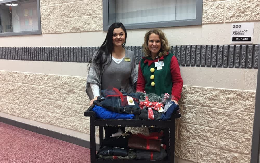 Morning Pointe Hosts Holiday Coat Drive