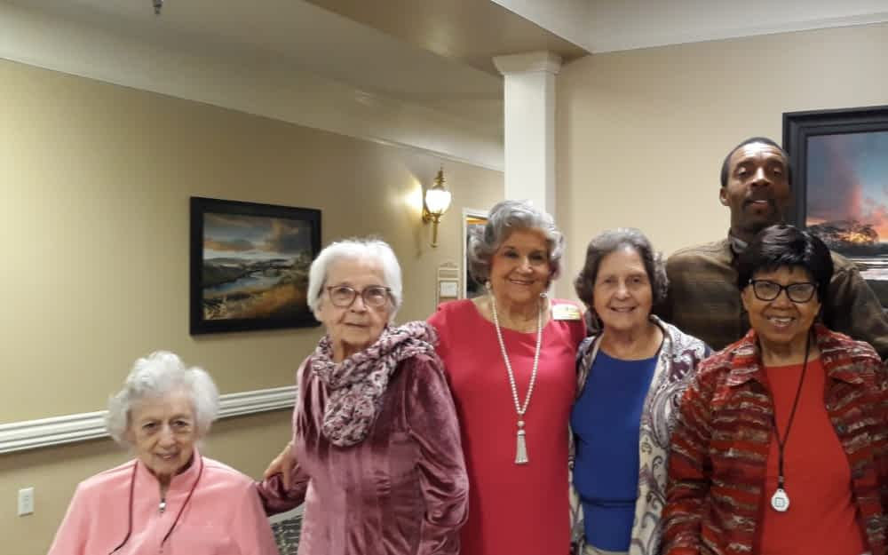 Volunteers Lead Monthly Worship Service at Morning Pointe