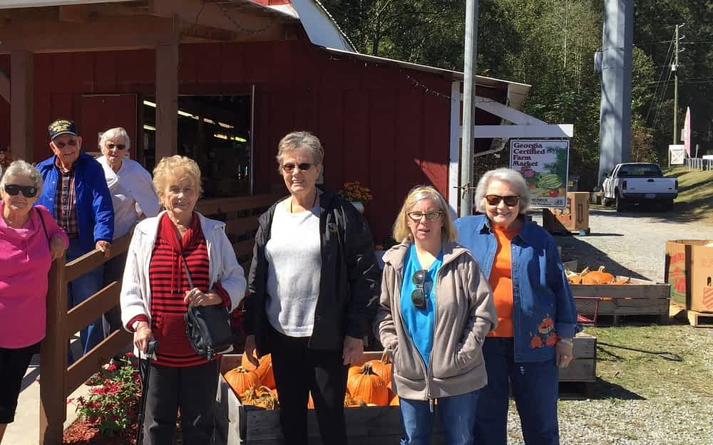Morning Pointe Residents Attend Georgia Apple Festival