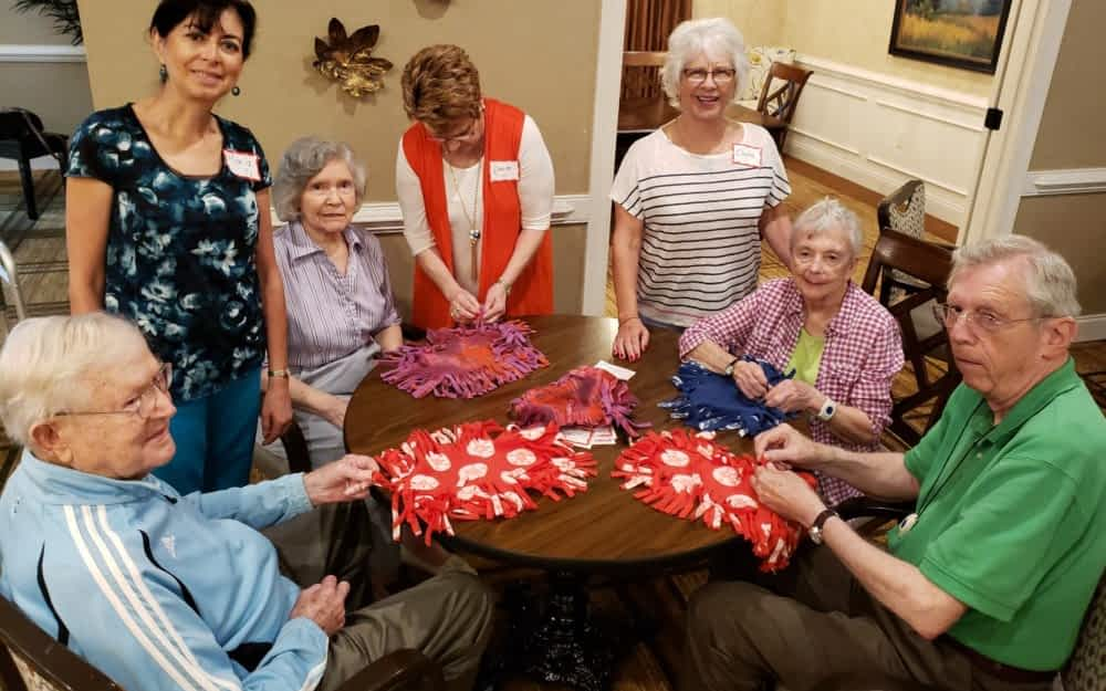 Central Baptist Volunteers Engage Morning Pointe Residents with Service and Craft