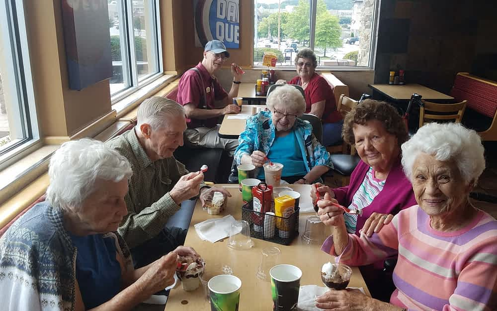 Morning Pointe Residents Enjoy a Sweet Treat at Dairy Queen