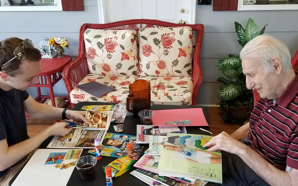 Morning Pointe Residents Get Creative, Make Friends with Alabama Students