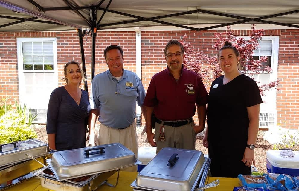 Morning Pointe Welcomes Collegedale Community for Neighborhood Barbecue