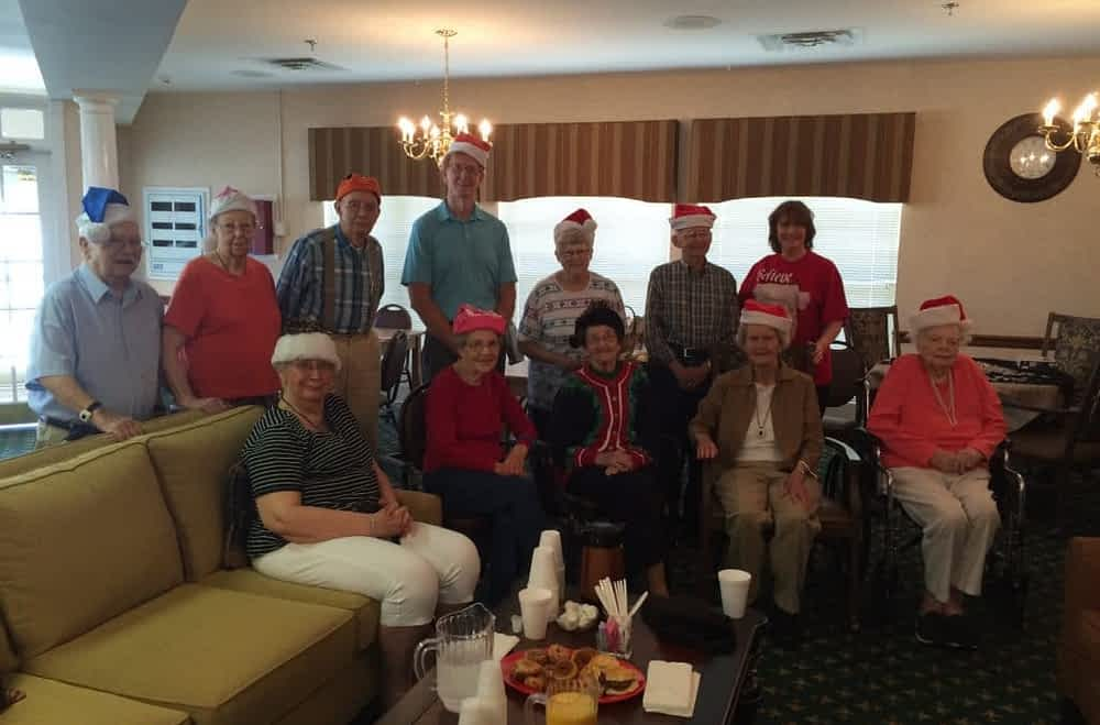 Mayor Visits Morning Pointe on 'Christmas in July'
