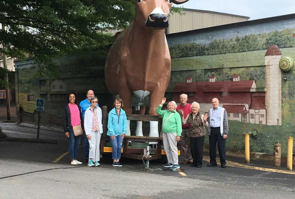 Morning Pointe Residents Explore Mayfield Dairy Farm