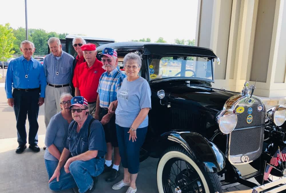 Morning Pointe Partners with Knoxville Classic Antique Car Club to Host Car Show