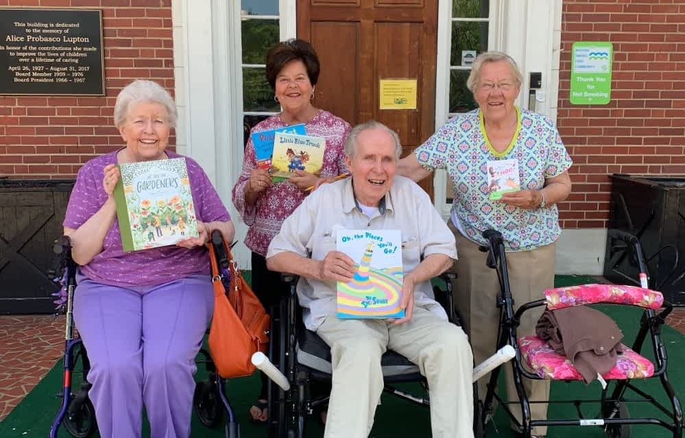 Morning Pointe Reads to Pre-K Students at Chambliss Center