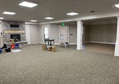 Morning Pointe Chattanooga Lantern - Fireplace Living Area - Now Carpeted