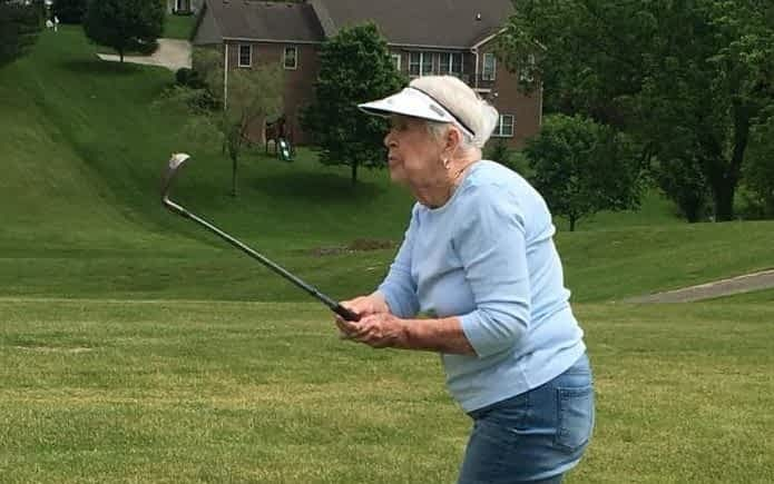 Morning Pointe of Danville (KY) residents Pat Chipps and Coach Joe McDaniel are no strangers to golf. So they were delighted by a treat to tee time at the Old Bridge Golf Course.