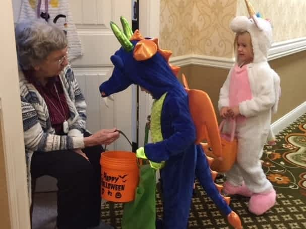 Brentwood Moms' Club Visits Morning Pointe for Halloween Fun
