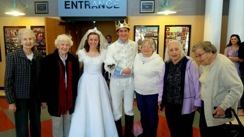 """Morning Pointe Residents Buy Lunch for """"Cinderella"""""""