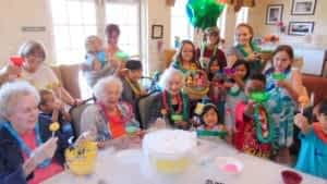 Morning Pointe Residents Make Lollipops with Local Kids