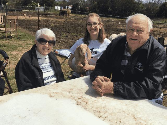 Morning Pointe Residents Picnic at Cedar Creek Farms