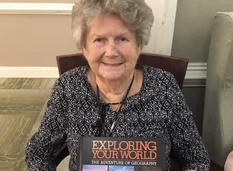 Lexington Senior Center Donates Books to Morning Pointe