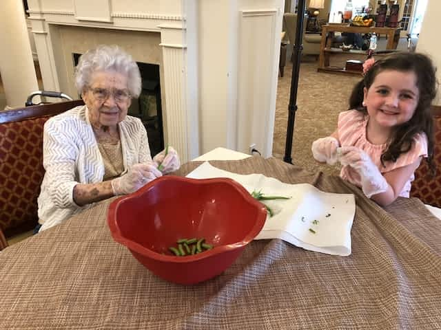 Morning Pointe Resident, Centenarian Bonds with Young Volunteer