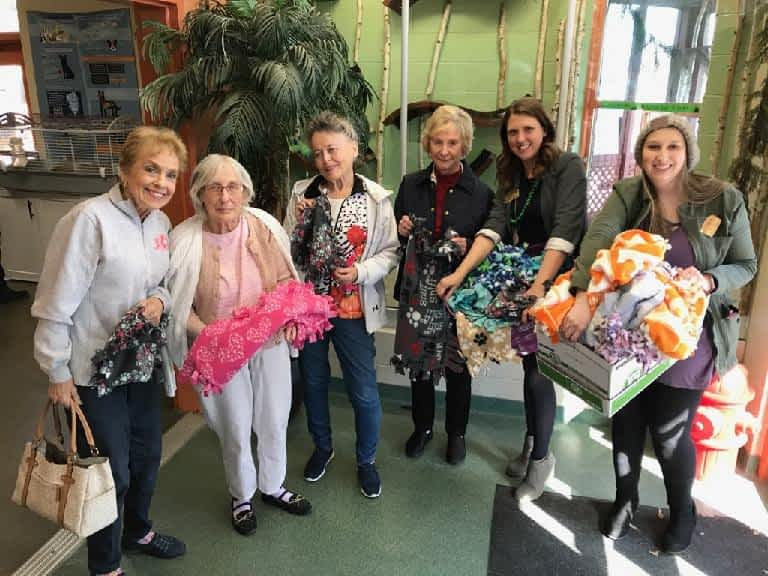 Morning Pointe Donates Handmade Blankets to Williamson County Animal Shelter