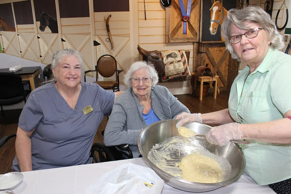 Morning Pointe Lantern Housekeeper Leads Baking Club