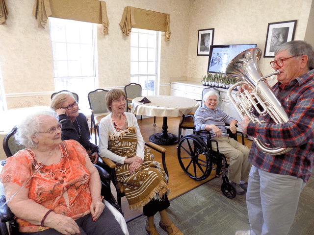 Morning Pointe Residents Enjoy Harmonies and History