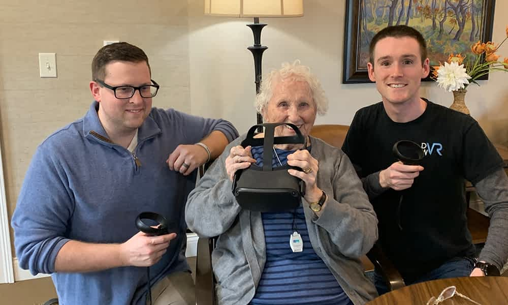 Local Arcade Owners Use VR to Take Morning Pointe Residents Around the World