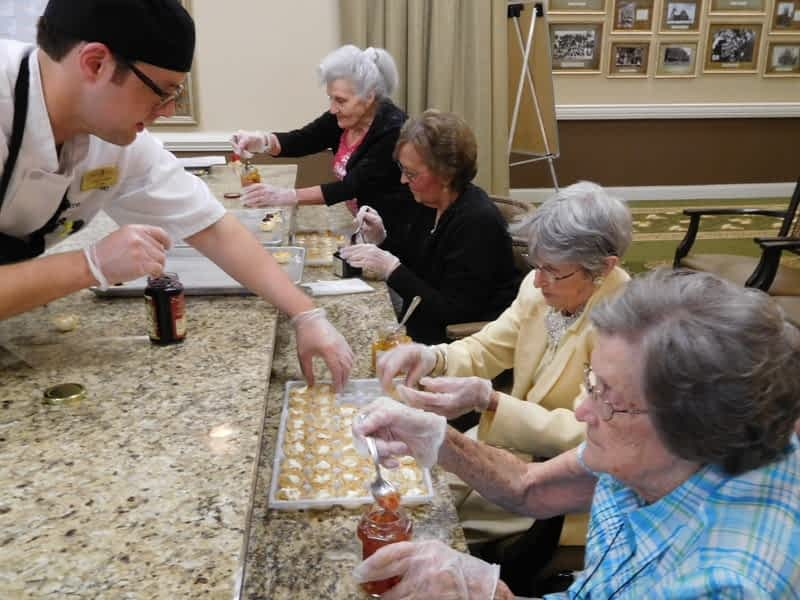 Morning Pointe Chef Shares Culinary Secrets with Residents