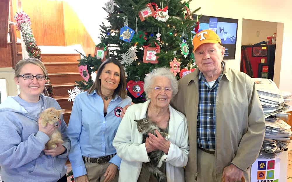 Morning Pointe Spreads Holiday Cheer at Humane Society