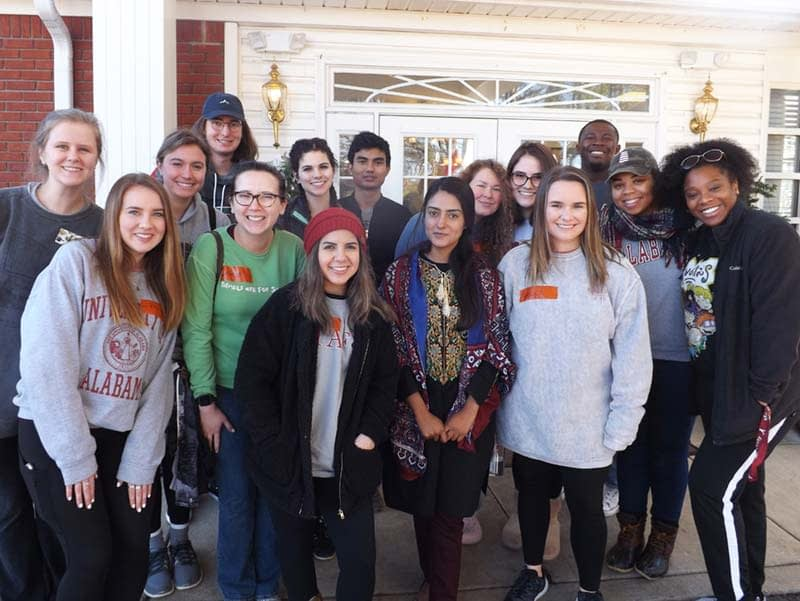 Alabama Students Spend MLK Day Volunteering at Morning Pointe