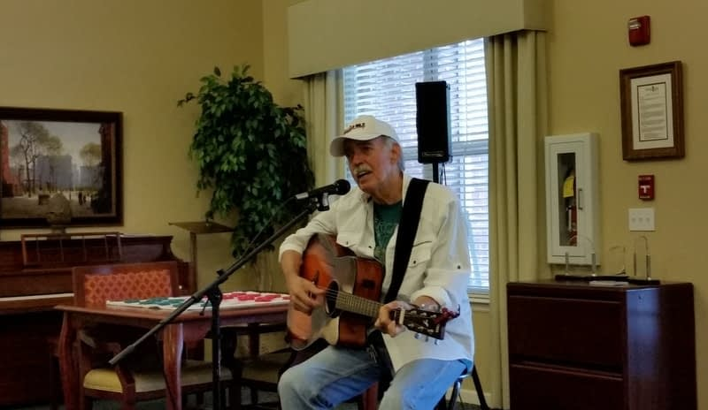 Conrad Pierce Entertains at Morning Pointe of Clinton