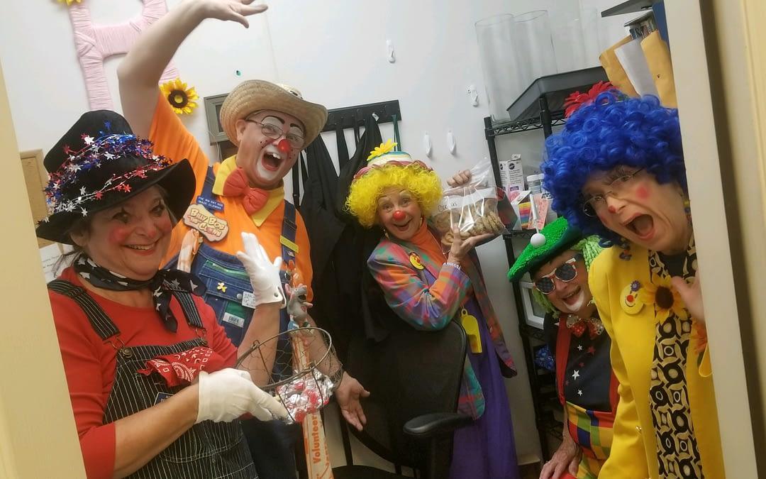 Volunteer Clowns Bring Laughter to Morning Pointe