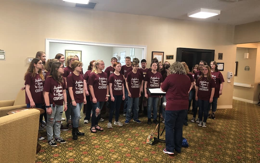 Ashland Middle School Choir Performs at Morning Pointe