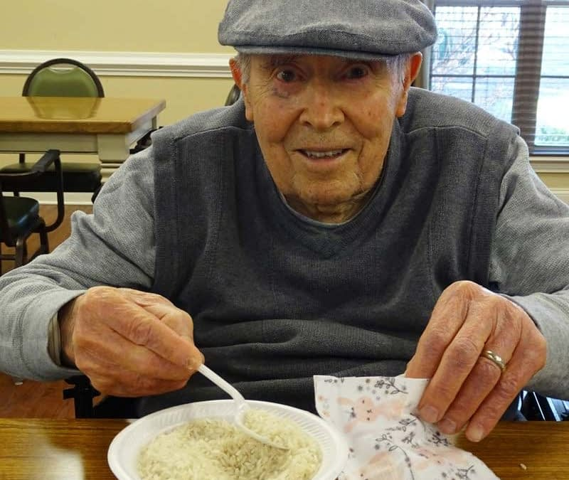 Morning Pointe Residents Make Hand-Warmers