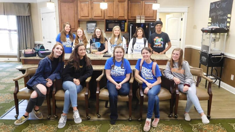 FMS Students Volunteer at Morning Pointe