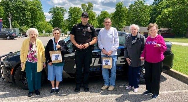 Morning Pointe Residents Say 'Thank You' to Local Law Enforcement