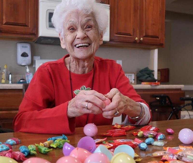 Morning Pointe Prepares for Easter Egg Hunt