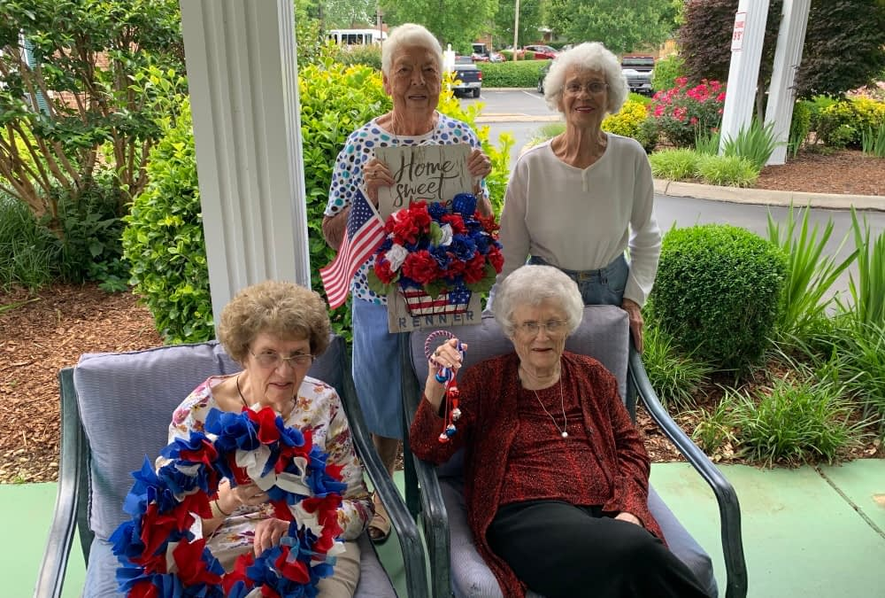 Morning Pointe Residents Celebrate Memorial Day