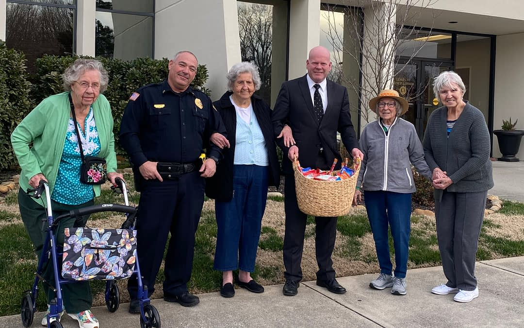 Morning Pointe Residents Honor Local Police Department on Law Enforcement Appreciation Day